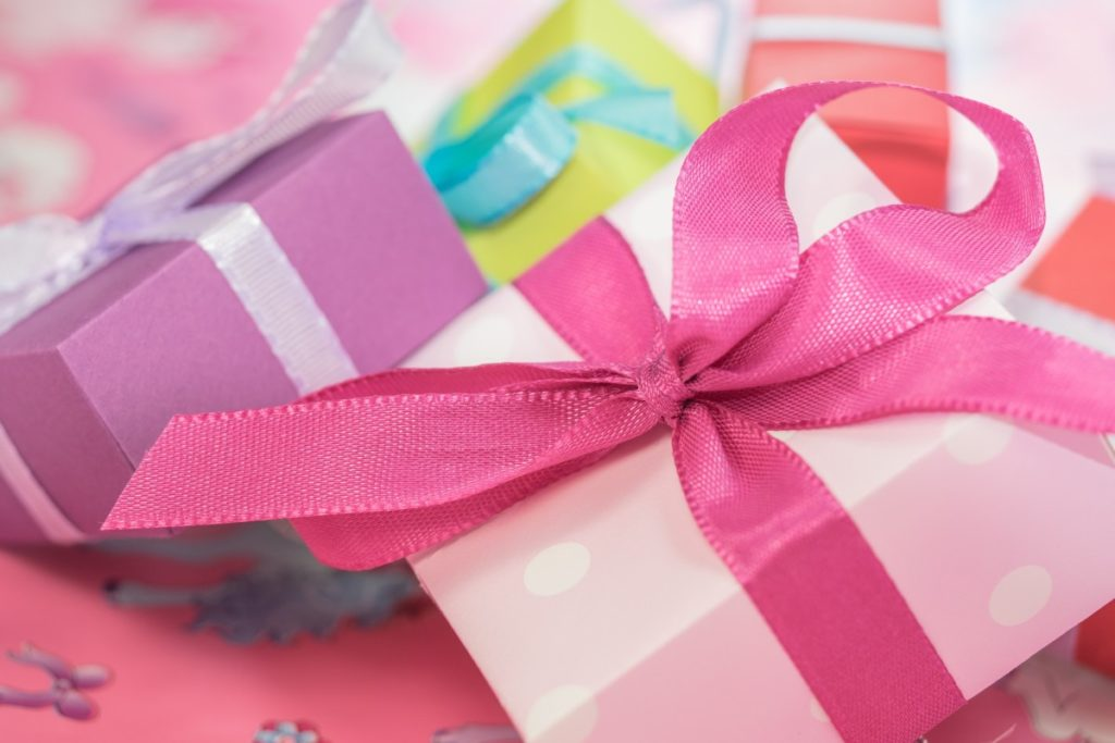 gift_present_wrapping_pink