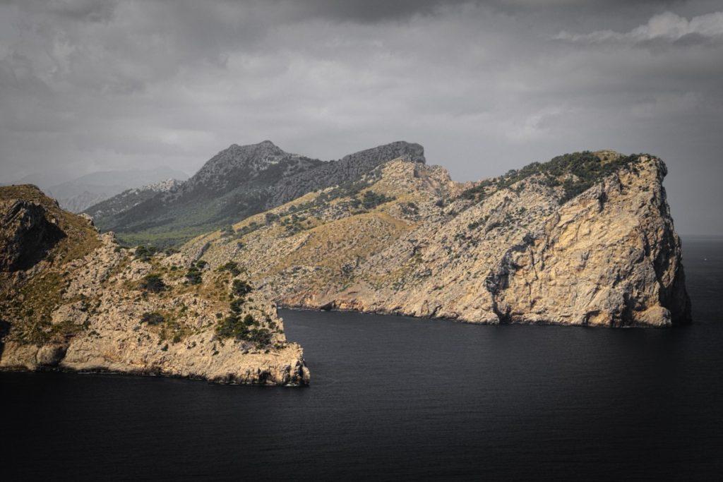 cliffs_coast