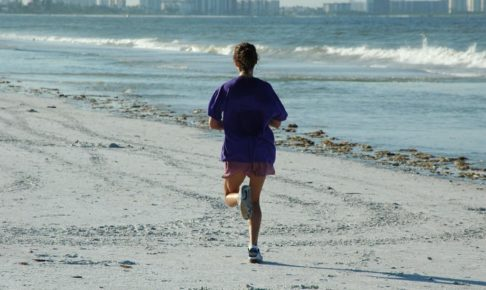woman_jogger_beach_ocean__exercise
