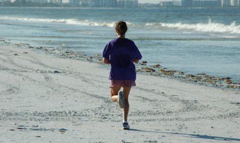 woman_jogger_beach_ocean__exercise